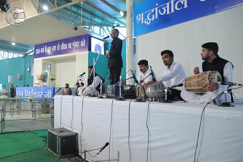 Devotional song by Ashok Shauq from Vikas Puri, Delhi
