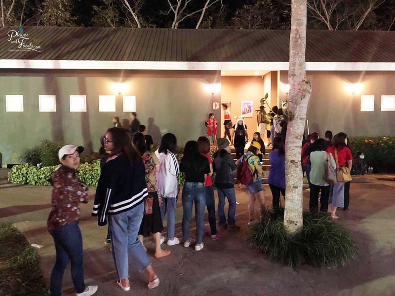 singha park hot air balloon 2018 queue for toilet