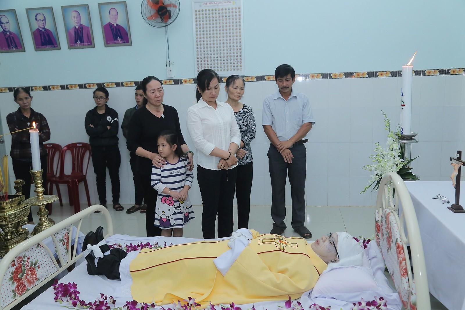 Cầu nguyện cho linh hồn Cha Giuse Đặng Đình An, Cha qua đời vì tai nạn giao thông - Ảnh minh hoạ 7
