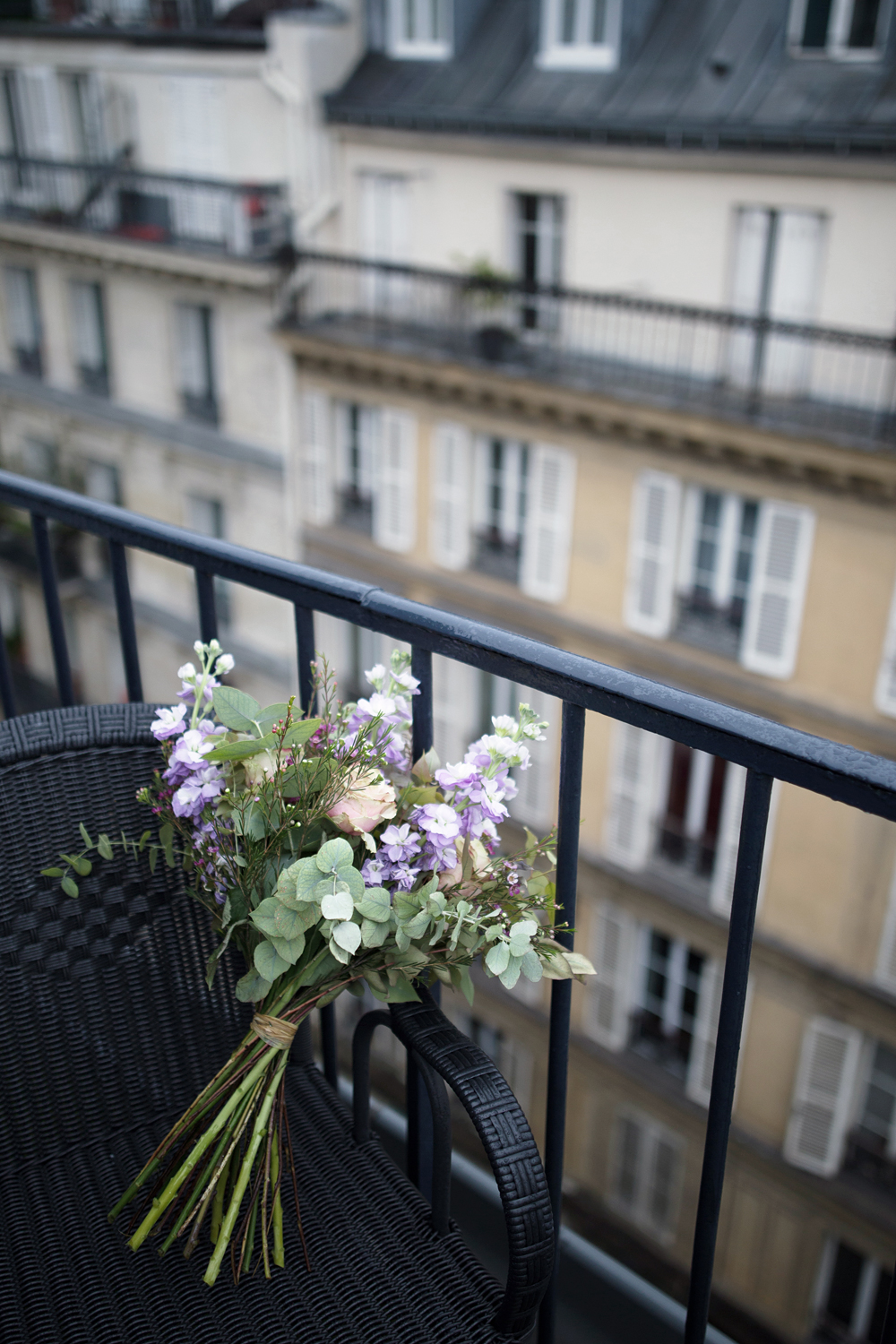 05paris-france-rooftop-travel-style-flowers