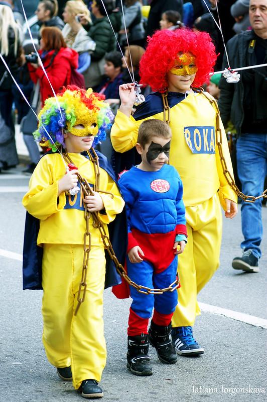 Одна из карнавальных групп на Зимнем карнавале Котора
