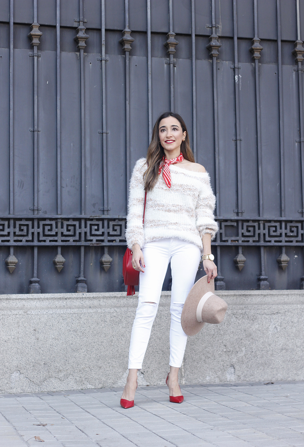 white outfit touch of red gucci bag primark hat winter outfit 201804