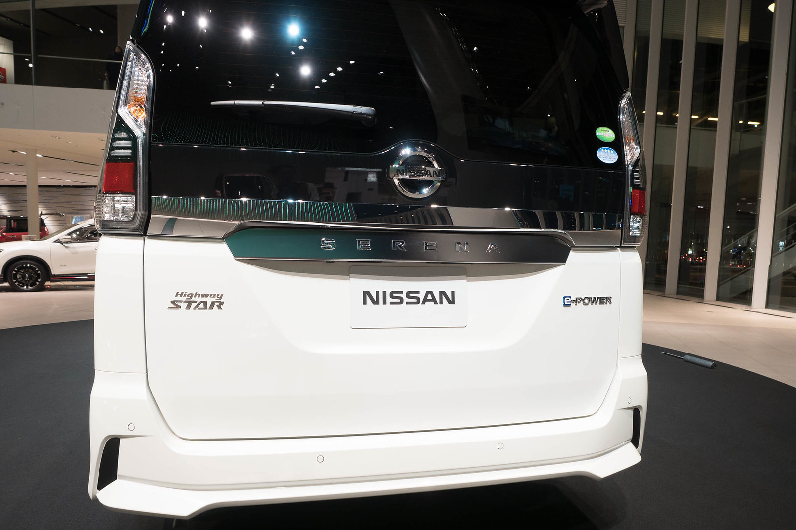 Nissan_serena_e-POWER-35
