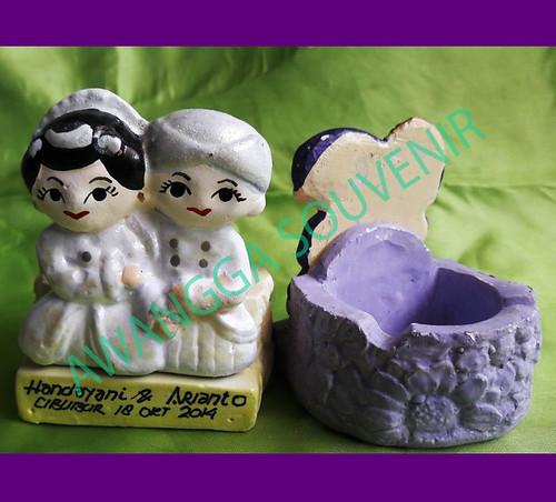 souvenir gypsum pengantin jawa