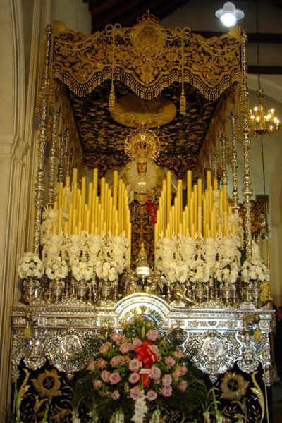 Antigua, Real, Ilustre y Fervorosa Hermandad y Cofradía de Nazarenos del Santísimo Cristo de La Vera-Cruz y María Santísima de Las Angustias Coronada (Dos Pasos).