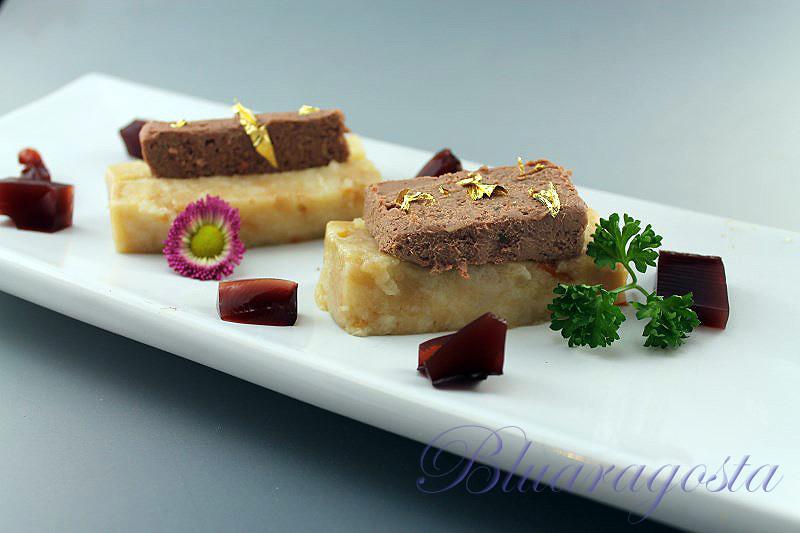 02-pancotto con pâté di fegatini e gelatina al porto