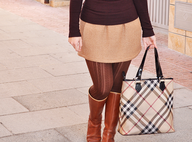 somethingfashion blogger spain valencia influencer, firenze italia style streetstyle, ootd burberry zara beach wool skirt