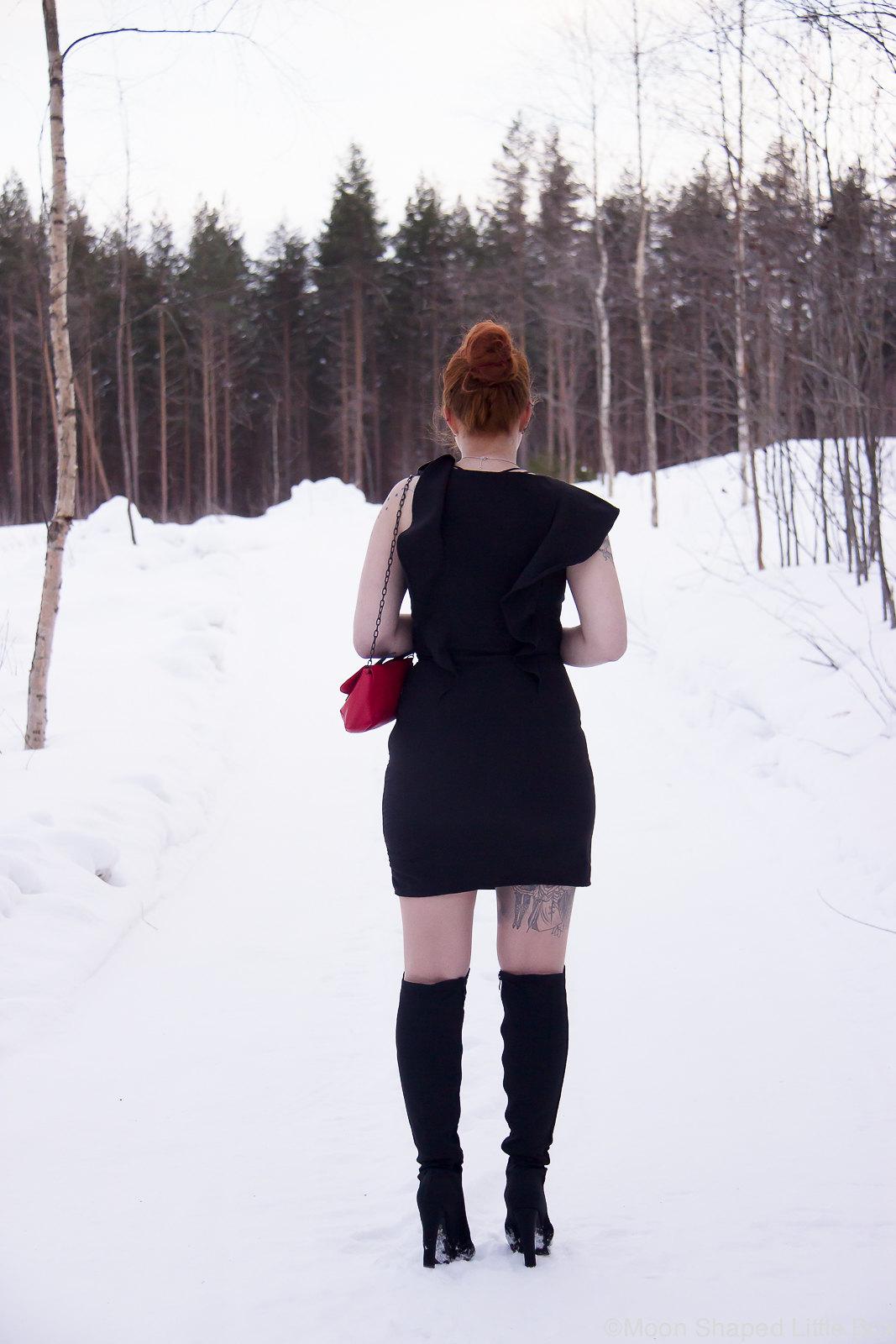 OOTD_styleblogger_Finland_Little_Black_Dress-14