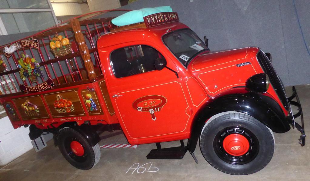 a60be9ebe0 ... Fordson E83W (1955)