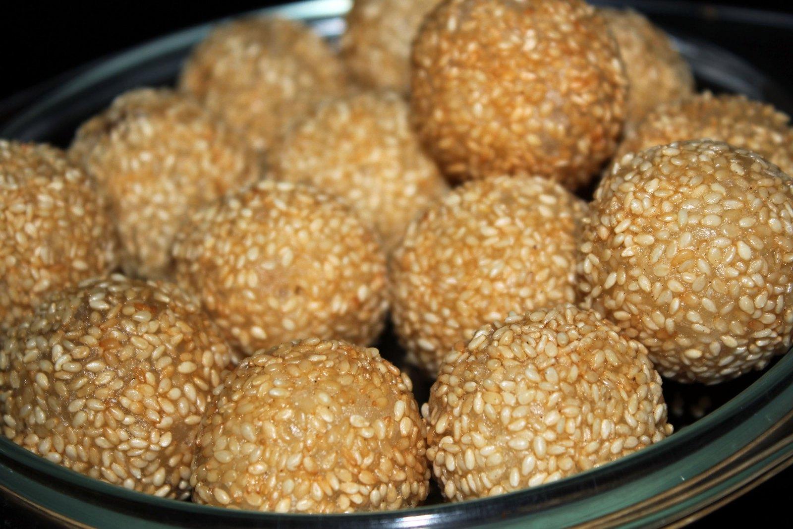 desserts pains noix de coco gâteaux pâtisserie sésame haricots noirs asiatique