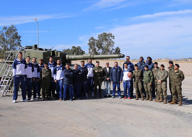 SOCIAL | Visita al Regimiento de Caballería Alcántara