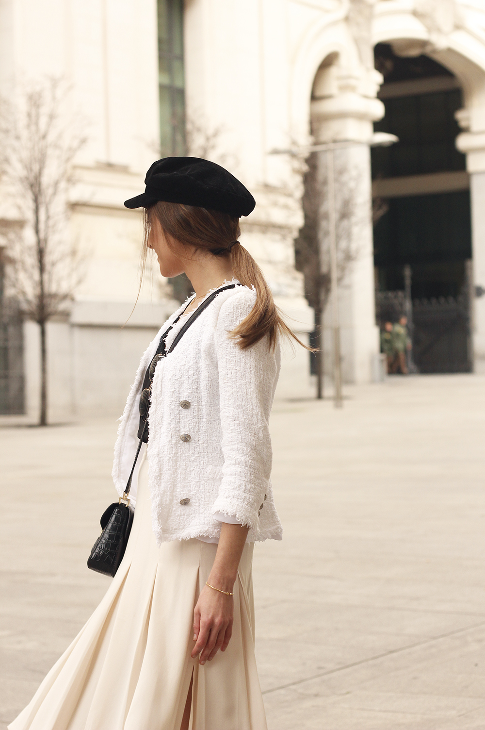 midi blush skirt white tweed jacket givenchy bicolor uterqüe boots winter outfit11