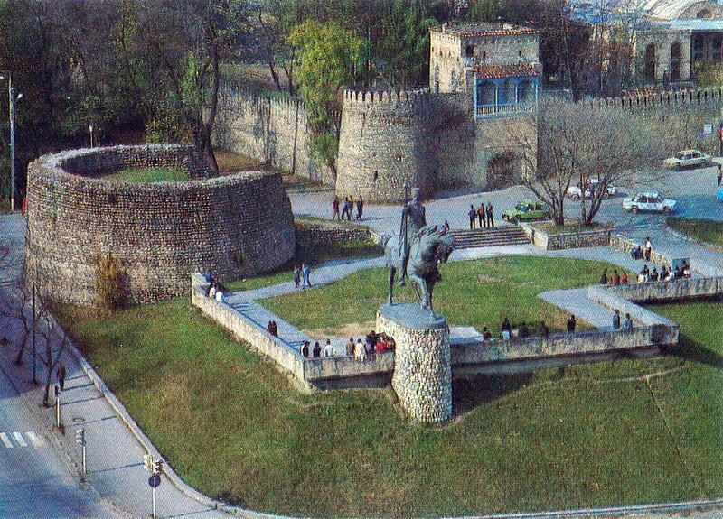 368151 Телави. Памятник грузинскому царю Ираклию II
