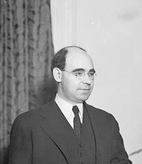 Conflicted Howard president halts students' sit-ins: 1934