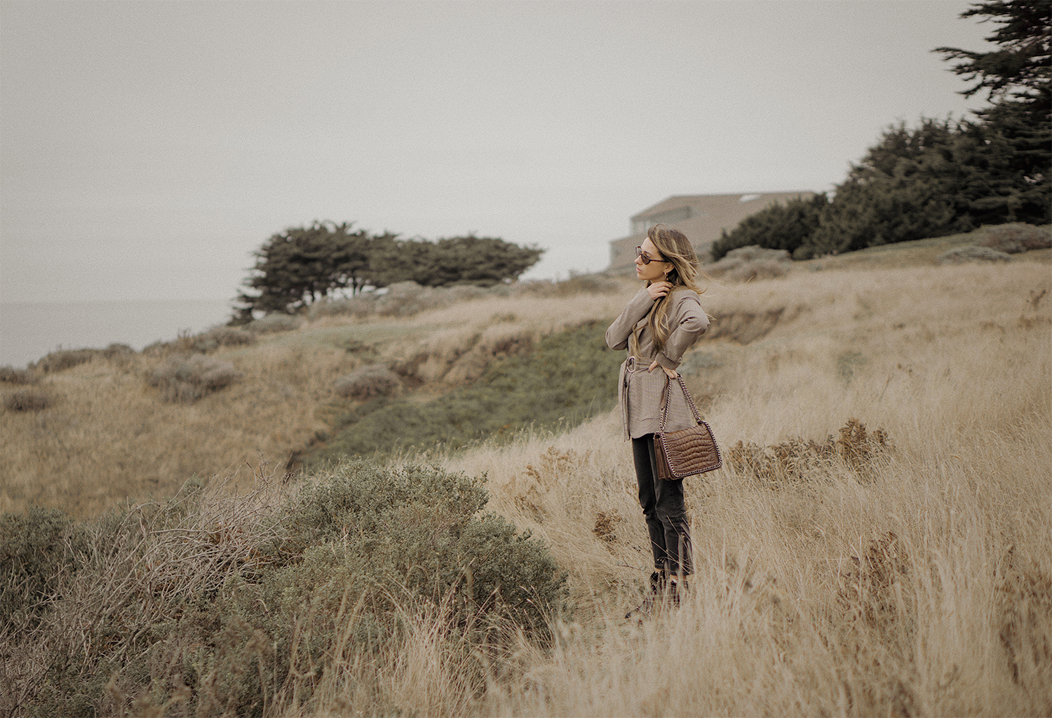 fashion_editorial_check_jacket_california_lena_juice_the_white_ocean_06