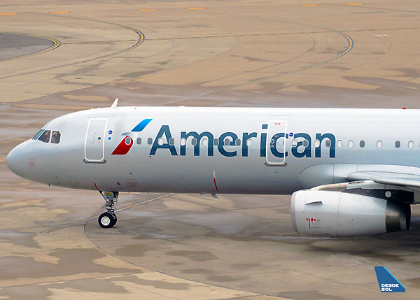 American Airlines A321 front DFW (RD)