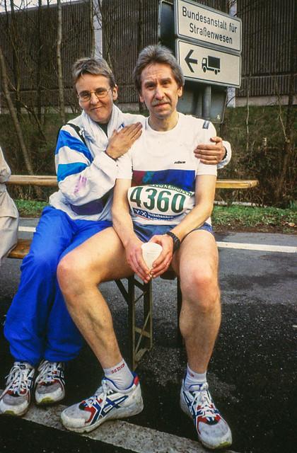 Gisela und Karlheinz im Ziel Königsforst-Marathon (3:23 Std.)