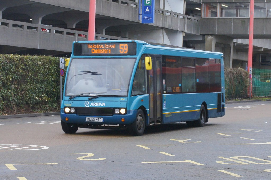 Harlow to chelmsford bus