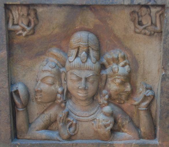 DSC_8431BhopalStateMuseumTrimurti10thCenturyADPadhawaliMorena