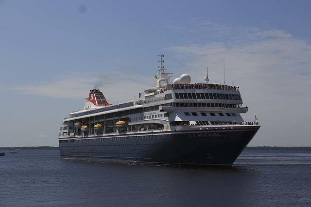 Navios M/S Braemar e M/S Sirena atracam no Porto de Manaus