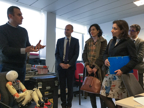 Visite Delphine Geny-Stephann, secrétaire d'État auprès du ministre des finances - LISV/IUT Vélizy
