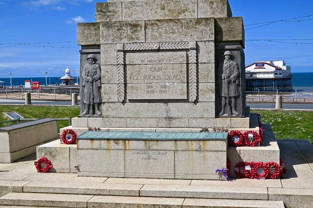 War Memorial, Blackpool, UK, Canon POWERSHOT G9 X