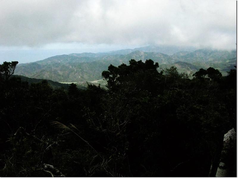 牡丹路山登山途中北眺群山 1
