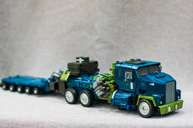 Onslaught Vehicle Mode with Trailer 1