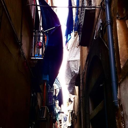 Napoli, panni dei vicoli