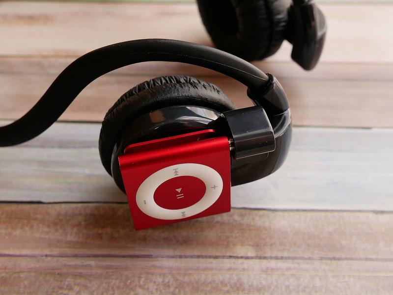 Headphone & iPod shuffle
