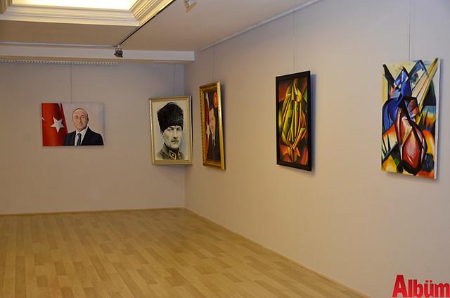Alanya Cumhuriyet Başsavcısı Yasin Emre, Alanya İlçe Emniyet Müdürlüğü Asayiş Büro Amiri İsa Arı ve Azerbaycanlı Ressam Eldar Zeynalov sergi -7