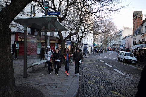 18b12 Moulin Rouge Abbesses Montmartre_0148 variante Uti 485
