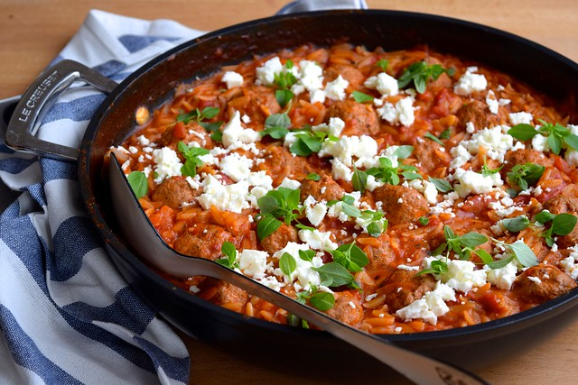 One Pan Greek Lamb Meatballs with Orzo and Feta #lamb #meatballs #greek #feta #orzo #onepan #onepot #winner