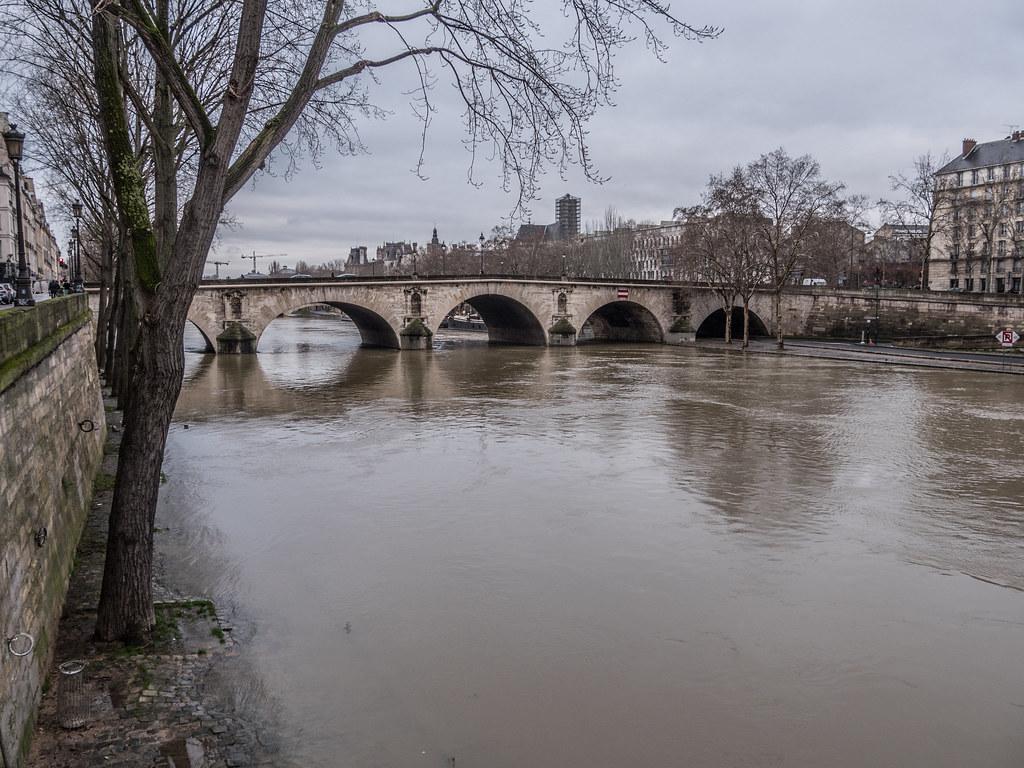 Crue de la Seine suite 38771617955_30f49c1eff_b