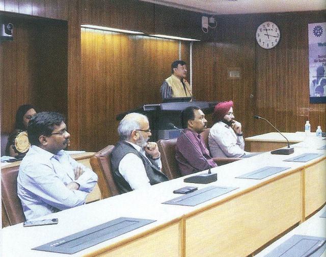 सभा को संबोधित करते डॉ. मनोज कुमार पटैरिया, निदेशक, सीएसआईआर-निस्केयर