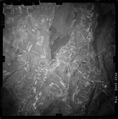 Vue aérienne d'Orgelet en 1953