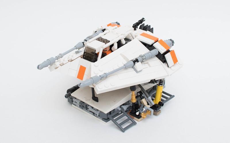 LEGO Snowspeeder - Airspeeder T-47 | front