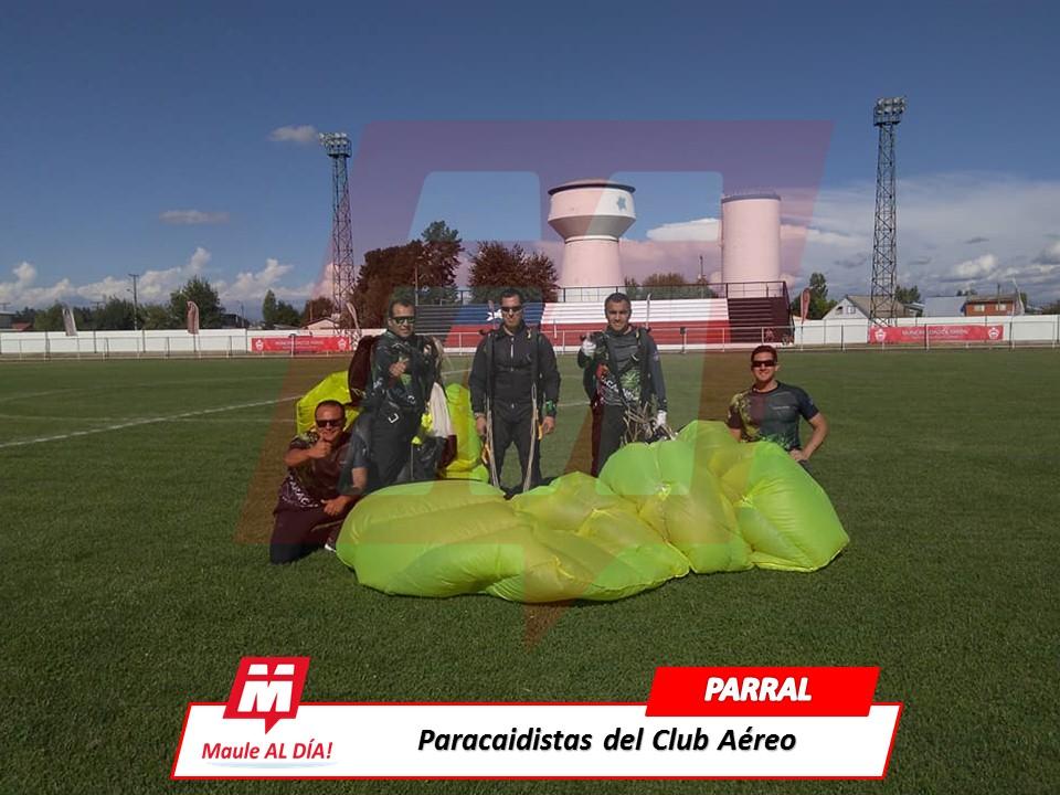PARRAL; Presentación de Paracaidistas del Club Aéreo de Carabineros