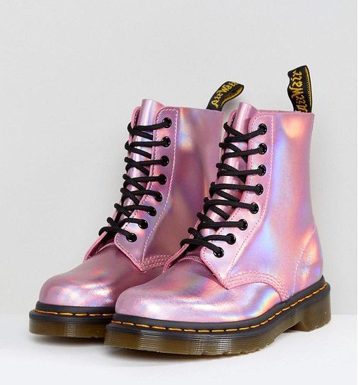 dr-martens-Pink-Leather-Holographic-Pink-Lace-Up-Boots (1)