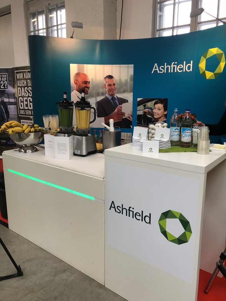 "#Hummercatering #Event #Cratering #Smoothie an unserer #mobilen #Smoothiebar für #Ashfield auf dem #Jobvector career Day #Eventlokation #MVG #Museum #Muenchen #cgn > #muc Mehr #Infos unter https://koeln-catering-service.de/smoothie-catering/messe-event-sm • <a style=""font-size:0.8em;"" href=""http://www.flickr.com/photos/69233503@N08/39656315755/"" target=""_blank"">View on Flickr</a>"