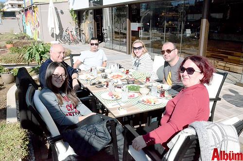 Avukat Onur Atam ve ailesi de Enberi'deydi.