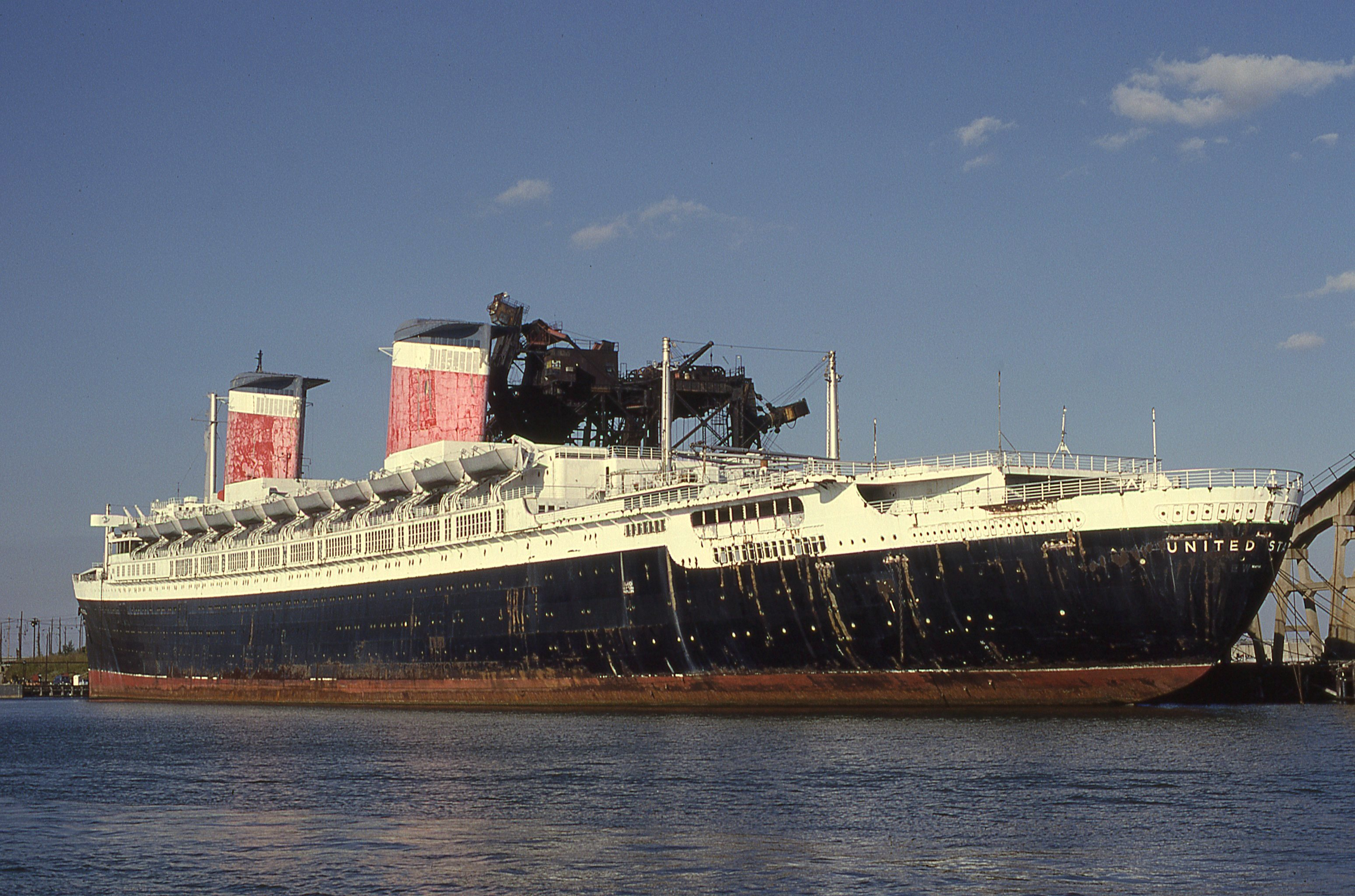 SS United States laid up at Hampton Roads on October 8, 1989