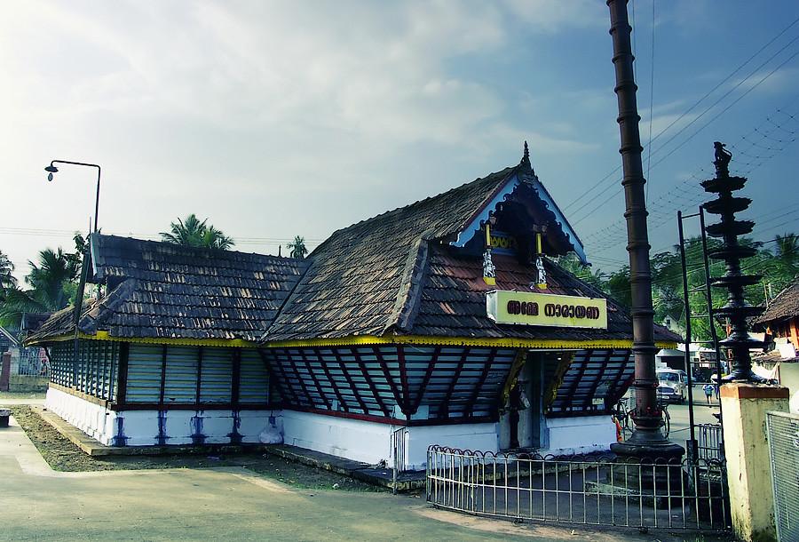 Индуисский храм в керальском стиле.Керала, Индия © Kartzon Dream - авторские путешествия, авторские туры в Индию, тревел видео, фототуры