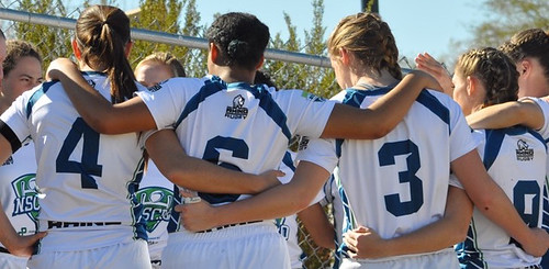 NSCRO-Penn-Mutual-Womens-7s-Select-Side-team-huddle-201702