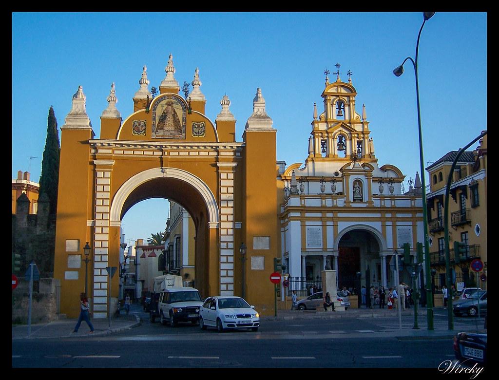 viajar Sevilla lugares imprescindibles - Puerta de la Macarena