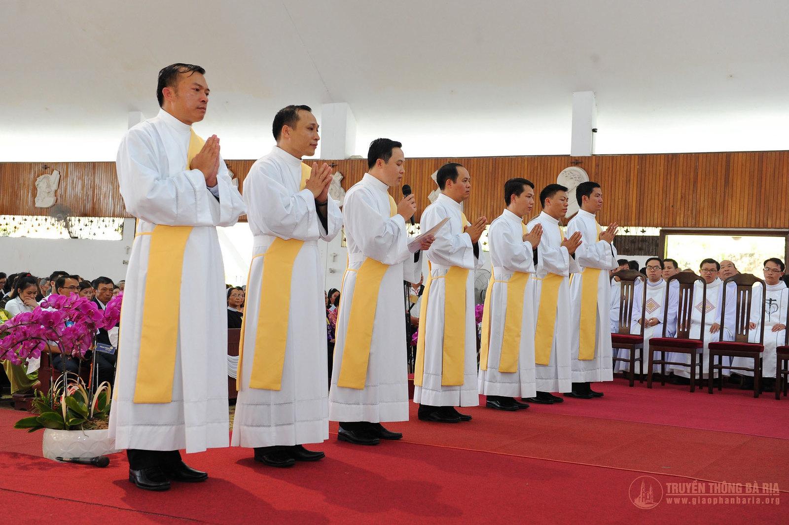 Thánh lễ truyền chức Phó tế – Gp Bà Rịa - Ảnh minh hoạ 12
