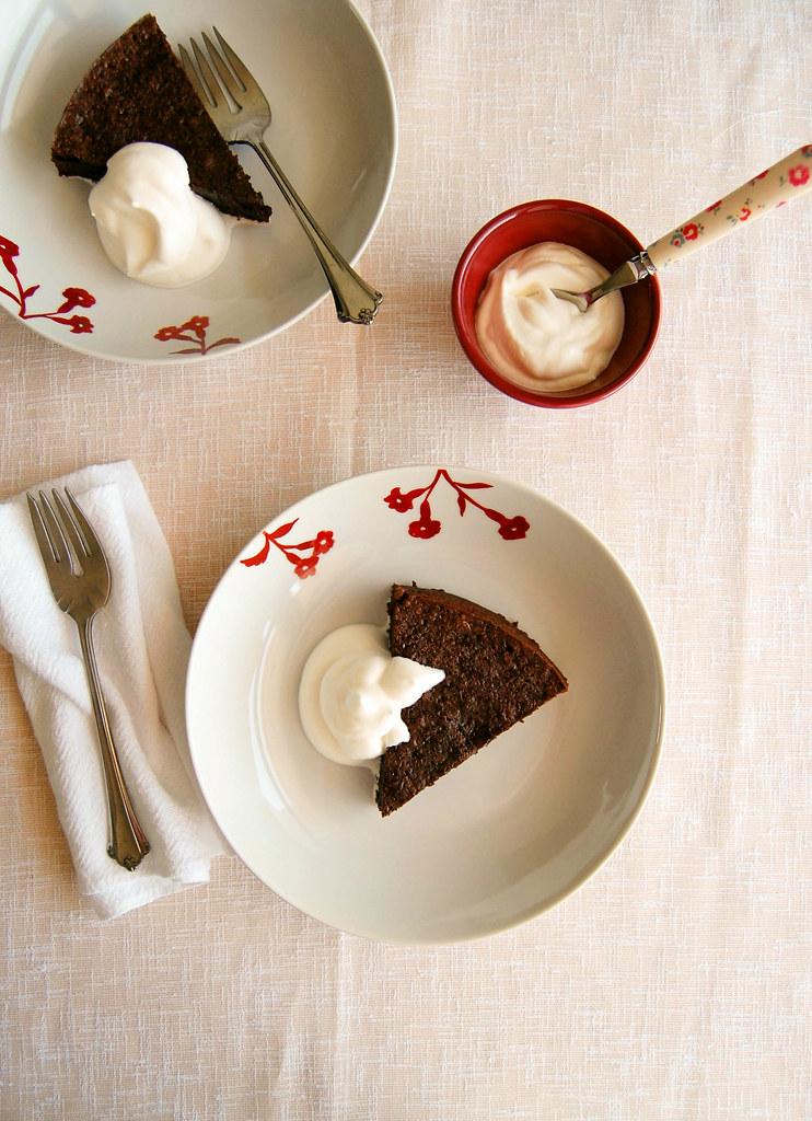 Chocolate peanut cake (gluten free) / Bolo de chocolate e amendoim (sem farinha de trigo)
