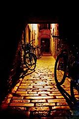 Is a city treasury in the light. #Citylights #CityStreet #CityLights #Nightphotography #NightLights #Nightphotography #Nicospecial.de #Nicospecial #LightAndShadow #LightsAndShadows #LightEffect #Citylights #Close-up #CloseUp #Closeup