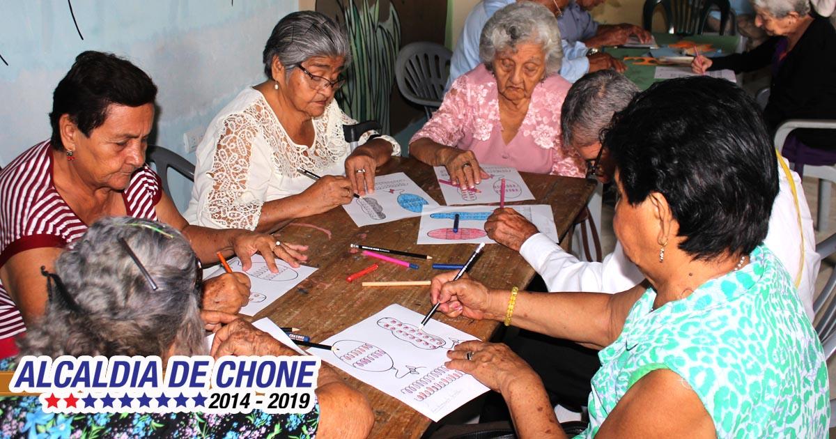 Atención digna para adultos mayores de Chone