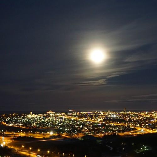 Super moon in Reykjavík